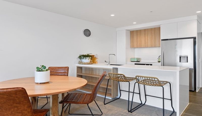 Bayview Luxe Geelong kitchen/dining area