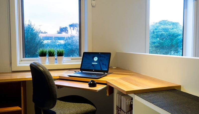 Office nook with fast wi-fi